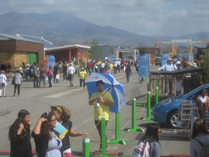 crowds at 2013 solar decathlon